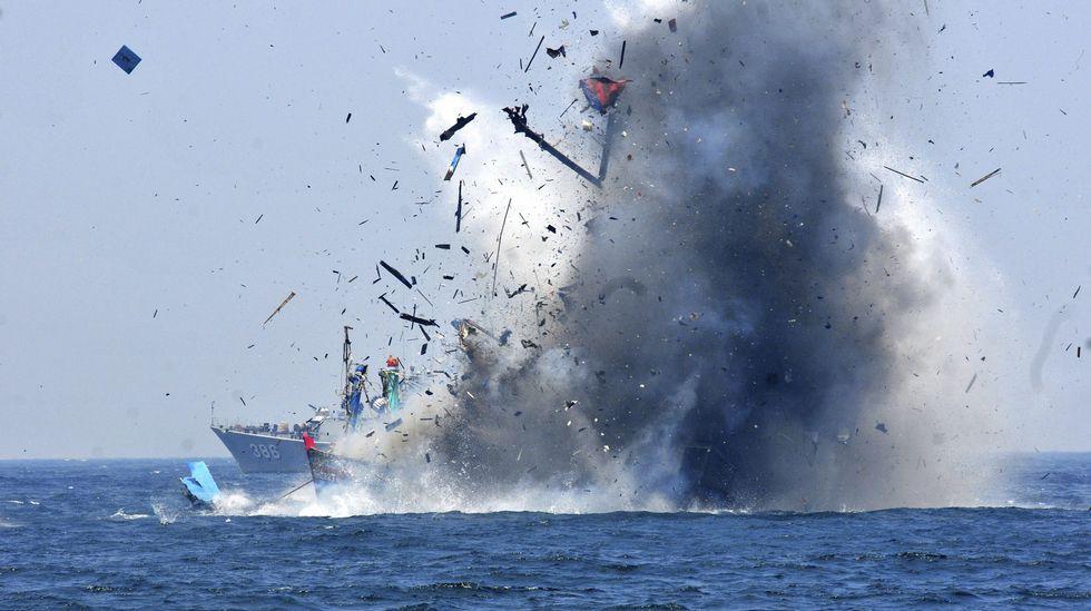 Hundimiento de barco de pesca ilegal
