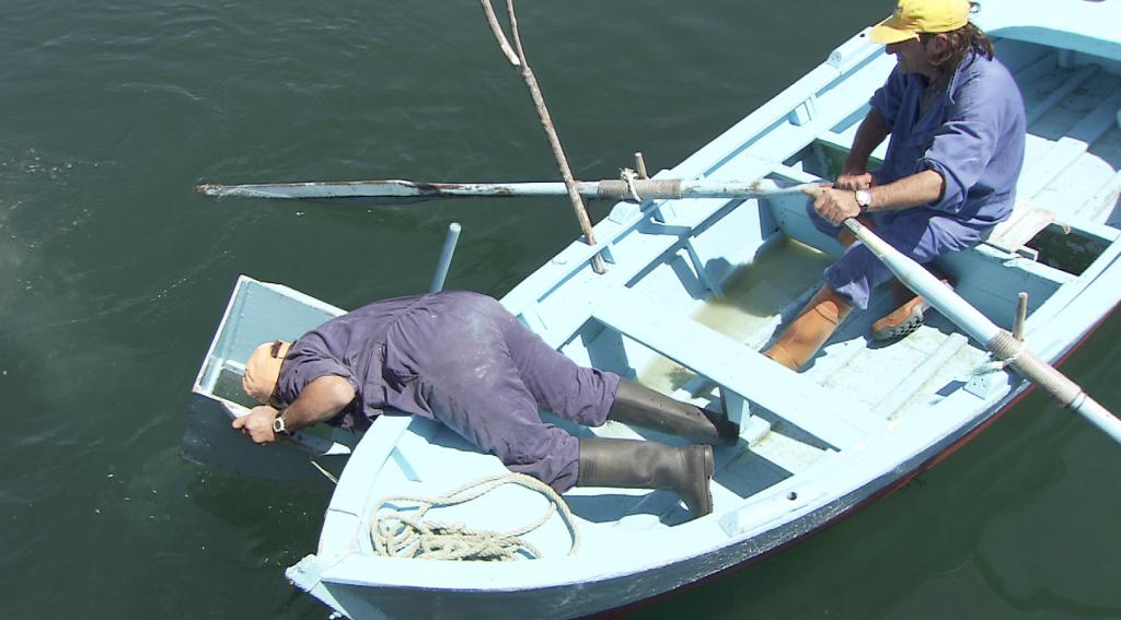 Pesca centolla con gancho (Foto SAGA TV)