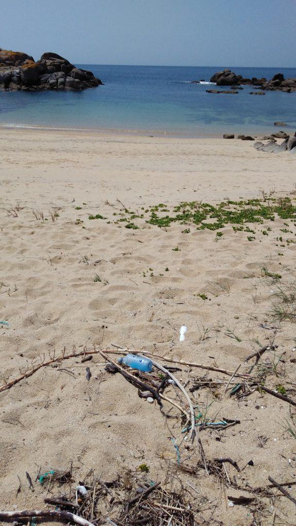 Plásticos en playas de Galicia