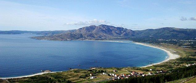 Costa da Morte: Playa de Carnota y Monte Pindo (Foto: El Correo Gallego)