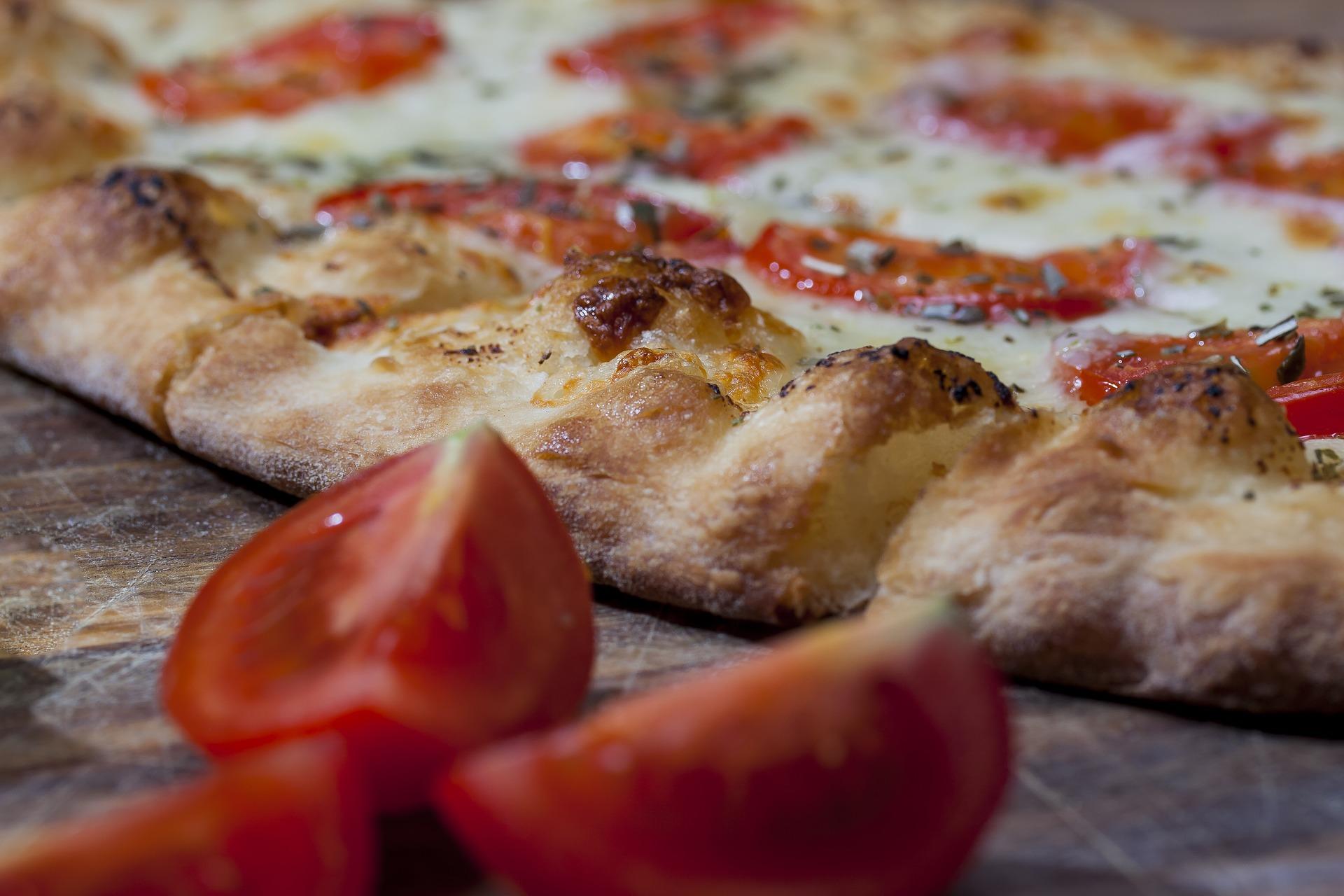 Pizza, ¿con piña o marisco?